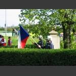 čestná stráž u pomníku
